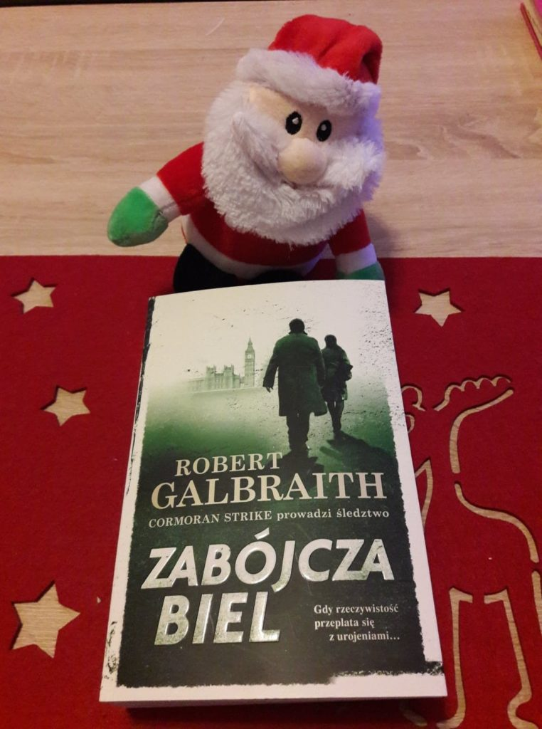 """Morderstwo obok konia, czyli """"Zabójcza biel"""" Roberta Galbraitha 1"""